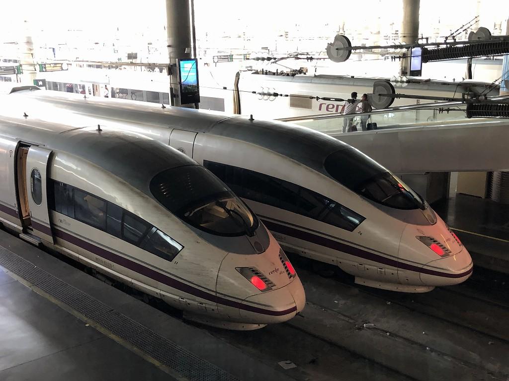 マドリード・アトーチャ駅のAVEのホーム3