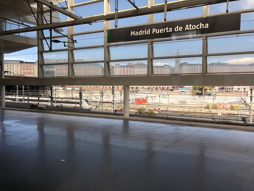 マドリード・アトーチャ駅のAVEのホーム2