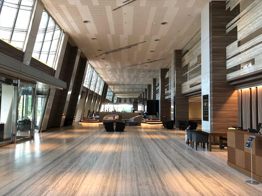 琵琶湖マリオットホテルのロビー
