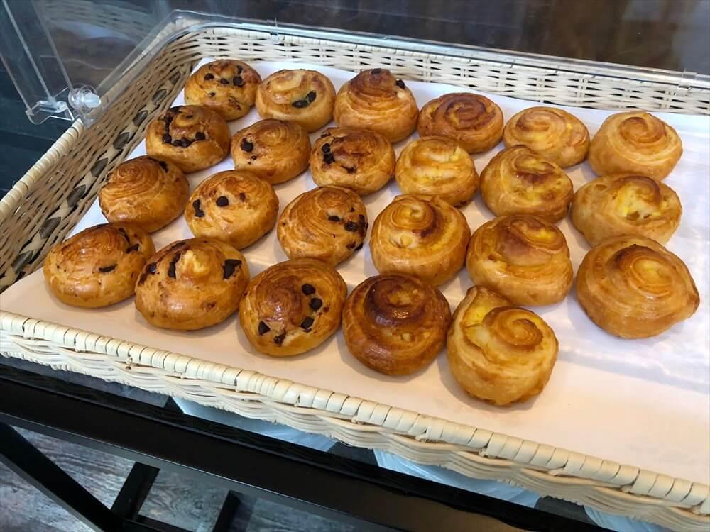 琵琶湖マリオットホテルのラウンジのパン