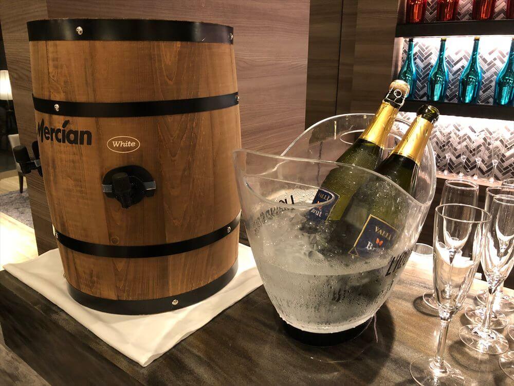 琵琶湖マリオットホテルのイブニングバーのスパークリングワイン