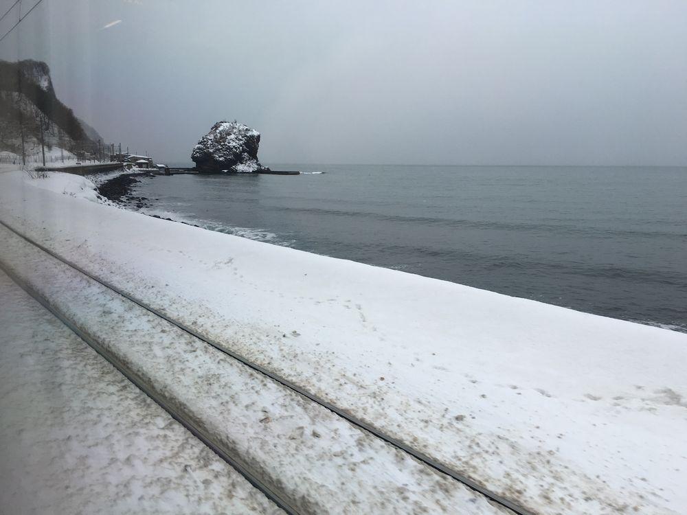 石狩湾沿いの函館本線