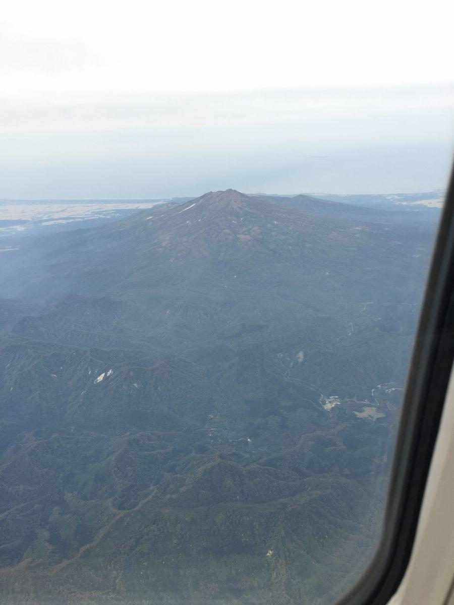 羽田-秋田線から見える鳥海山