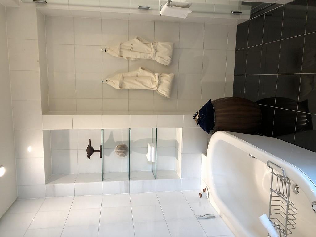 コンラッド東京のエグゼクティブベイビュースイートのバスルーム3