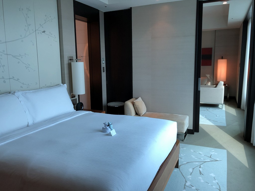 コンラッド東京のエグゼクティブベイビュースイートのベッドルーム3