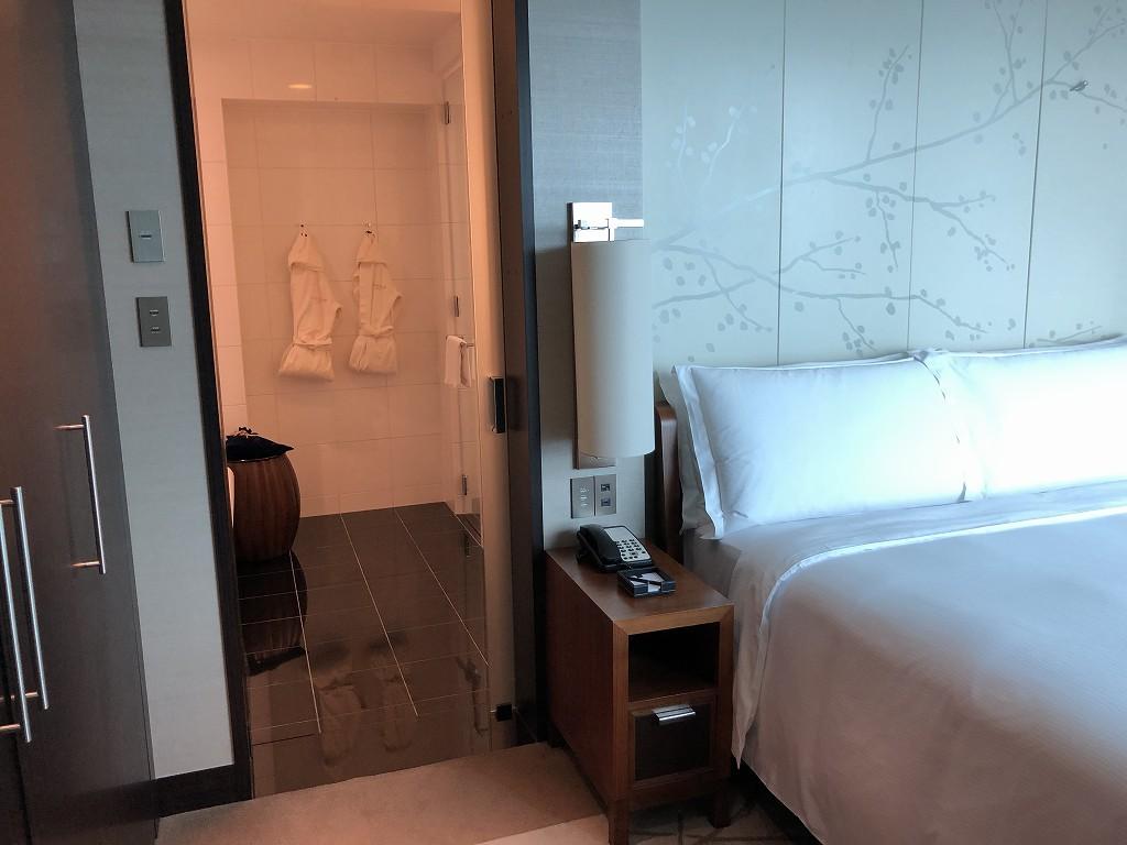 コンラッド東京のエグゼクティブベイビュースイートのベッドルーム4