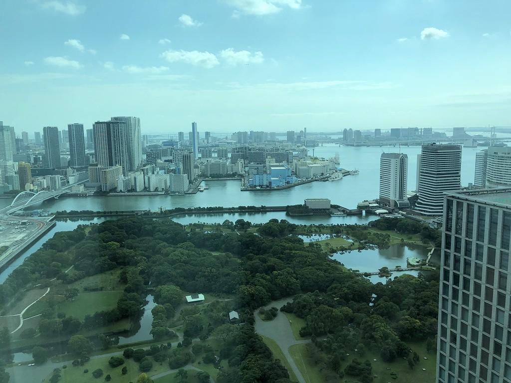 コンラッド東京のエグゼクティブベイビュースイートからの眺め(朝)