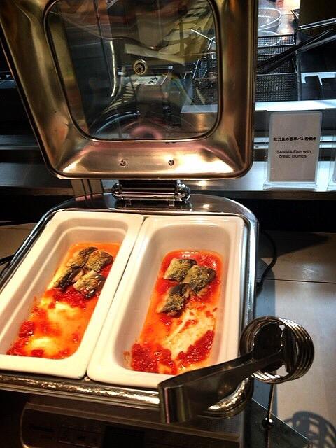 コートヤード・マリオット銀座東武ホテルのランチブッフェの秋刀魚の香草パン粉焼き