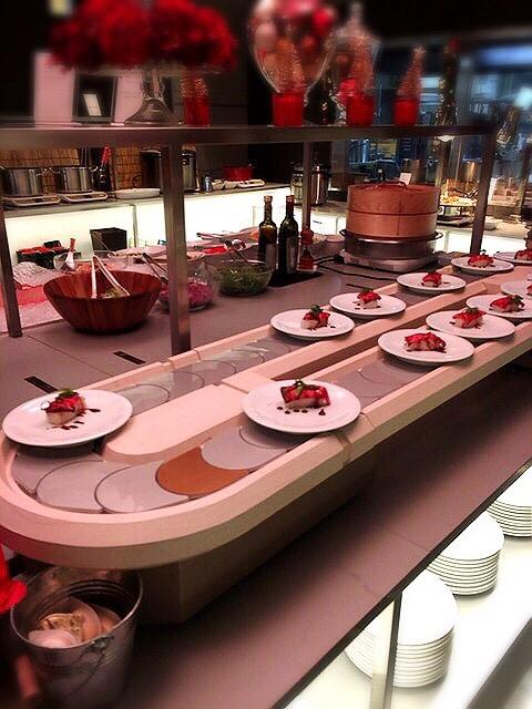 コートヤード・マリオット銀座東武ホテルのランチブッフェのお肉の回転寿司