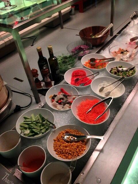 コートヤード・マリオット銀座東武ホテルのランチブッフェの野菜コーナー