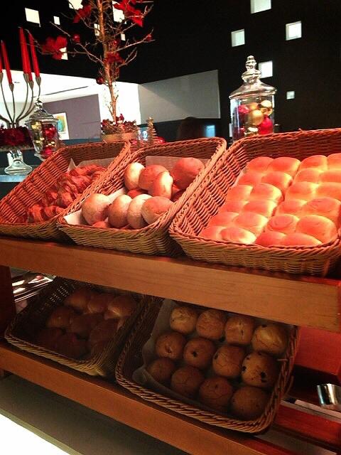 コートヤード・マリオット銀座東武ホテルのランチブッフェのパン