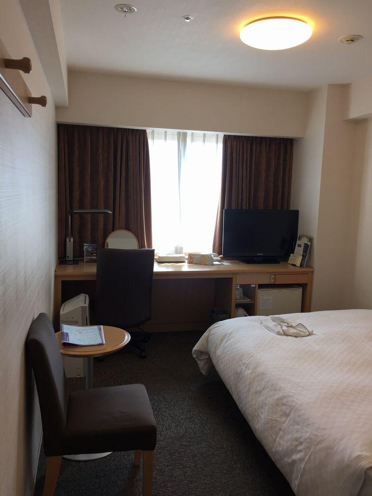 ダイワロイネットホテル秋田のシングルルーム(窓側)