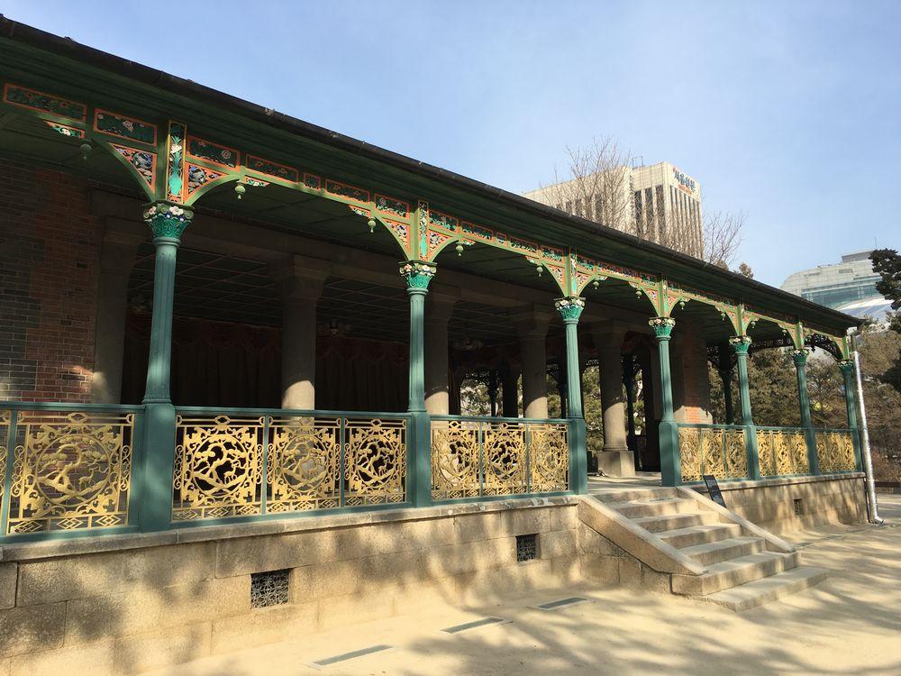 徳寿宮の静観軒