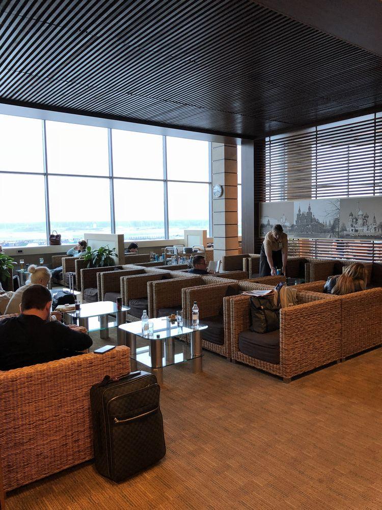 ドモジェドヴォ空港(DME)のプライオリティ・パス ビジネスラウンジの内観1