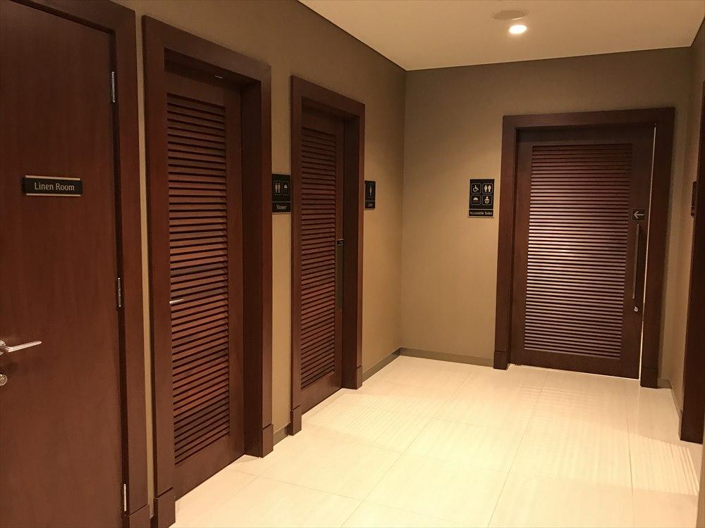 成田空港のエミレーツラウンジのトイレ・シャワー室