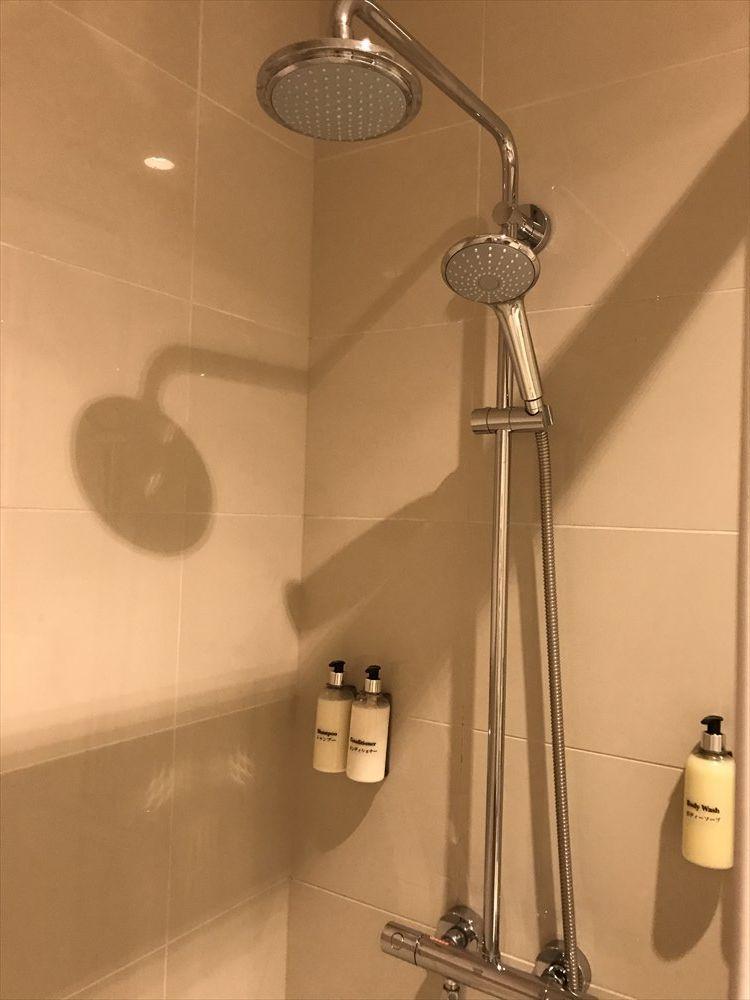 成田空港のエミレーツラウンジのシャワー室4