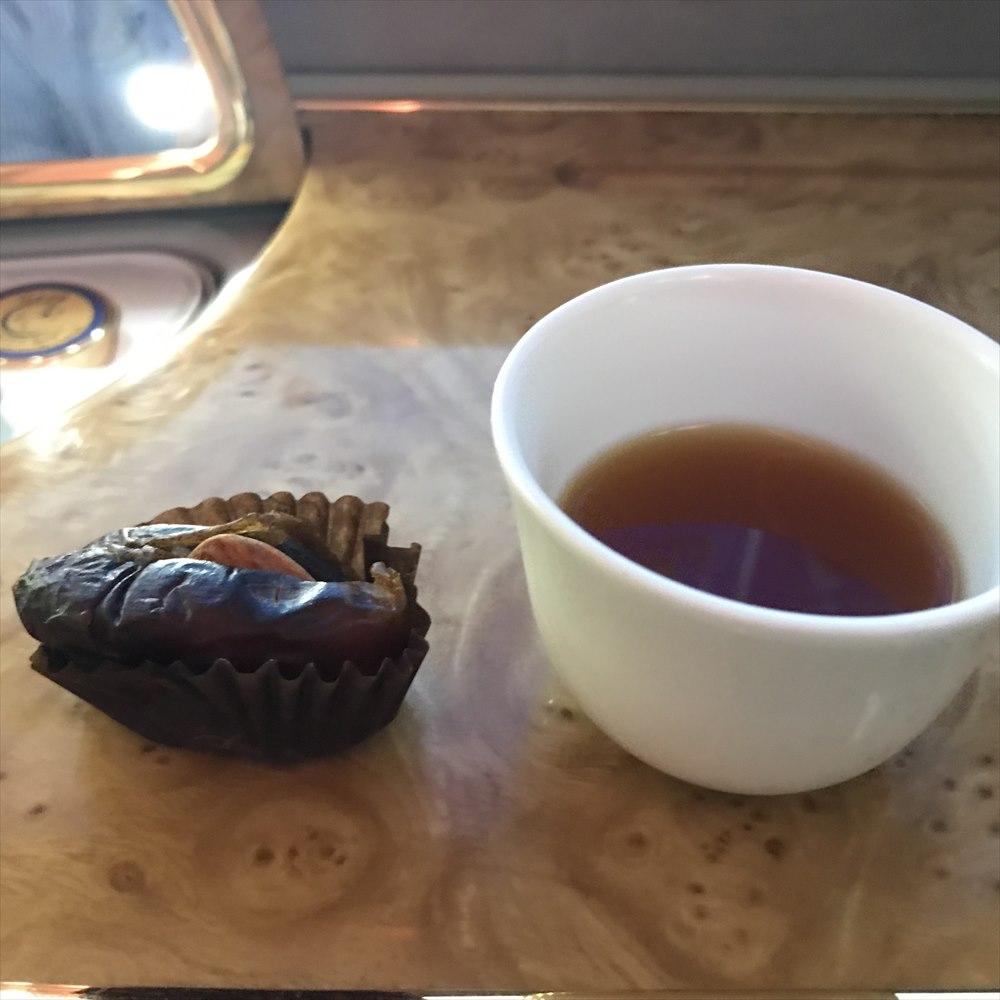 デーツとアラビックコーヒー