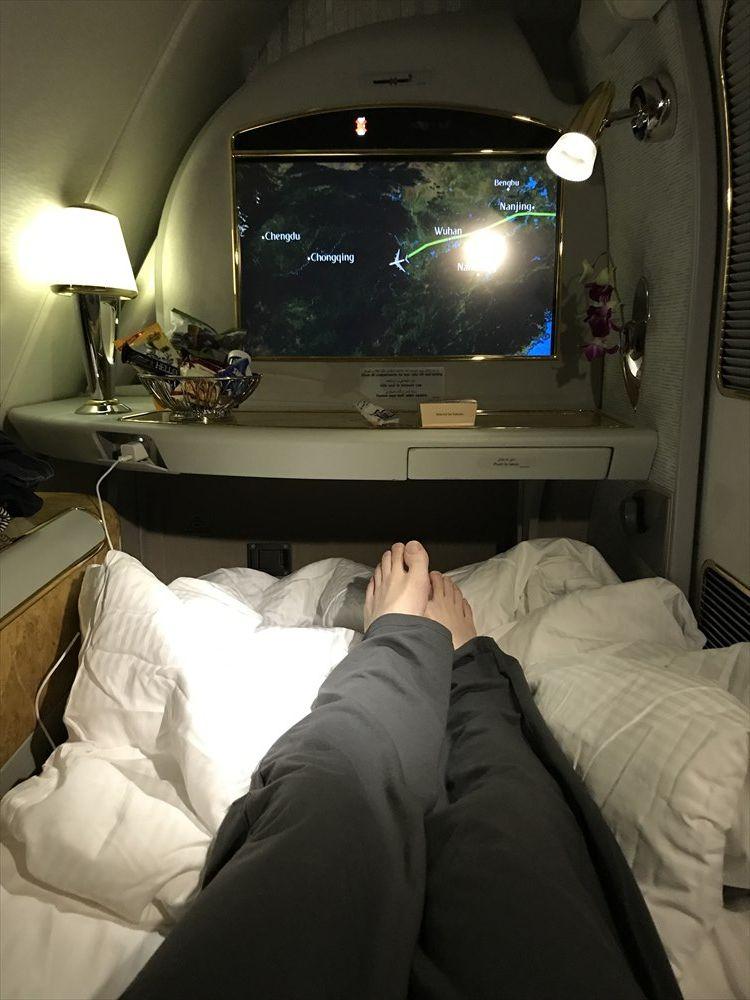 エミレーツ航空エアバスA380のファーストクラスのベッド