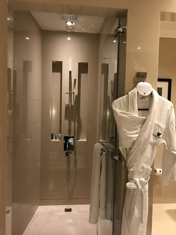 JWマリオット・マーキス・ホテル ドバイのシャワールーム