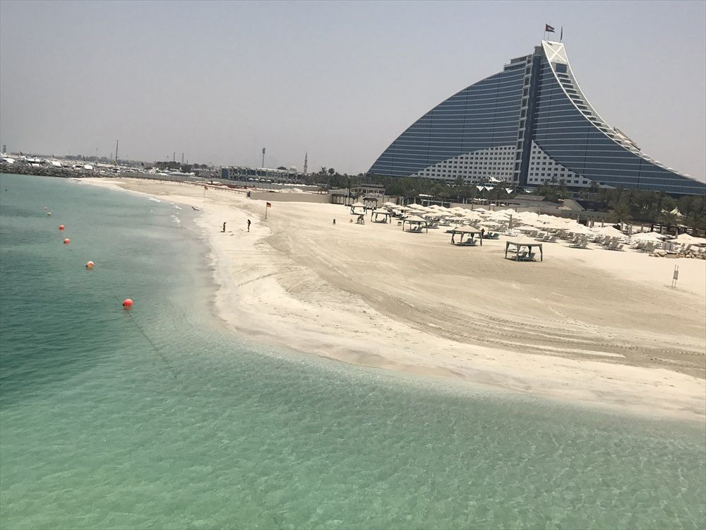 ジュメイラ・ビーチ・ホテルのプライベートビーチ1