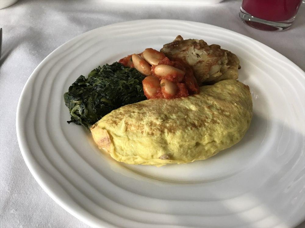 エミレーツEK318便のファーストクラスの朝食4