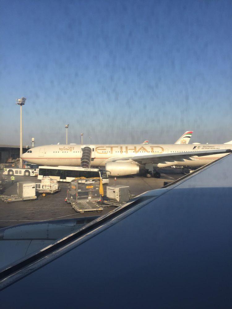 アブダビ空港のエティハド航空の機材