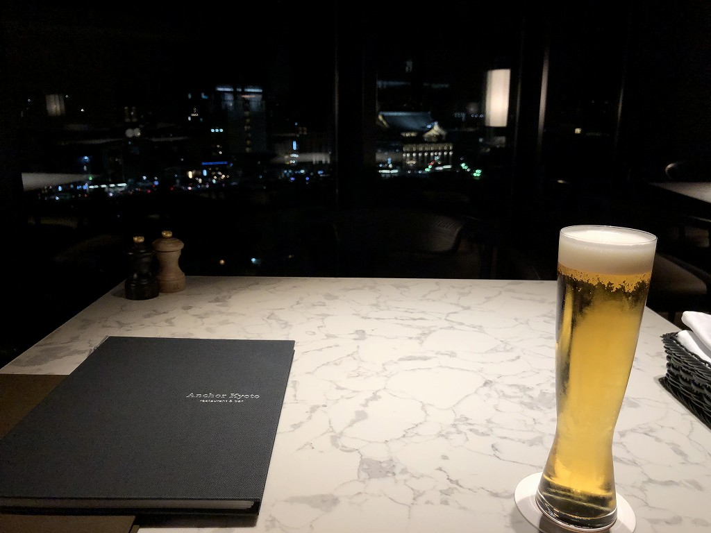 THE GATE HOTEL 京都高瀬川 by HULICの「ANCHOR KYOTO」のビール