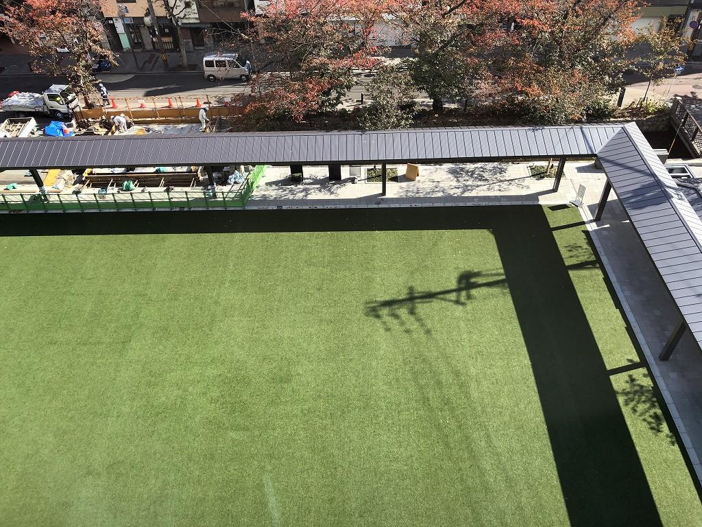 THE GATE HOTEL 京都高瀬川 by HULICの芝生2