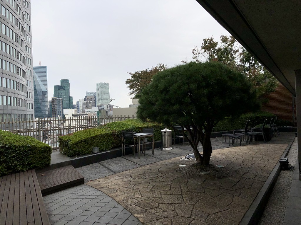 グランドハイアット東京の10階にある「グランドクラブ」の屋外席2