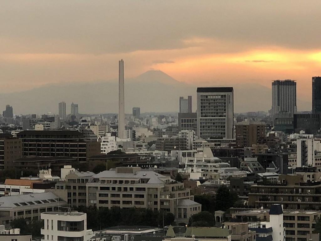 グランドハイアット東京の「クラブキングルーム」からの富士山