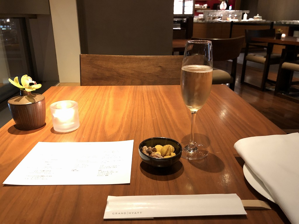 グランドハイアット東京のクラブラウンジ「グランドクラブ」のシャンパン