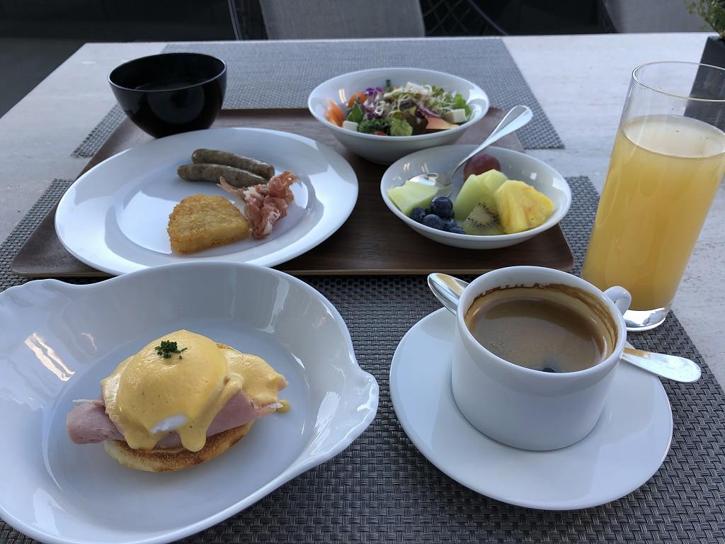 グランドハイアット東京の2階にある「フレンチ キッチン」のテラス席での朝食