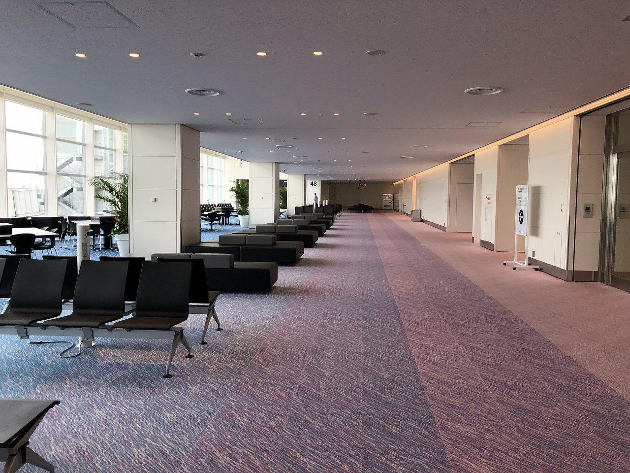 羽田空港のサテライト47番搭乗口1