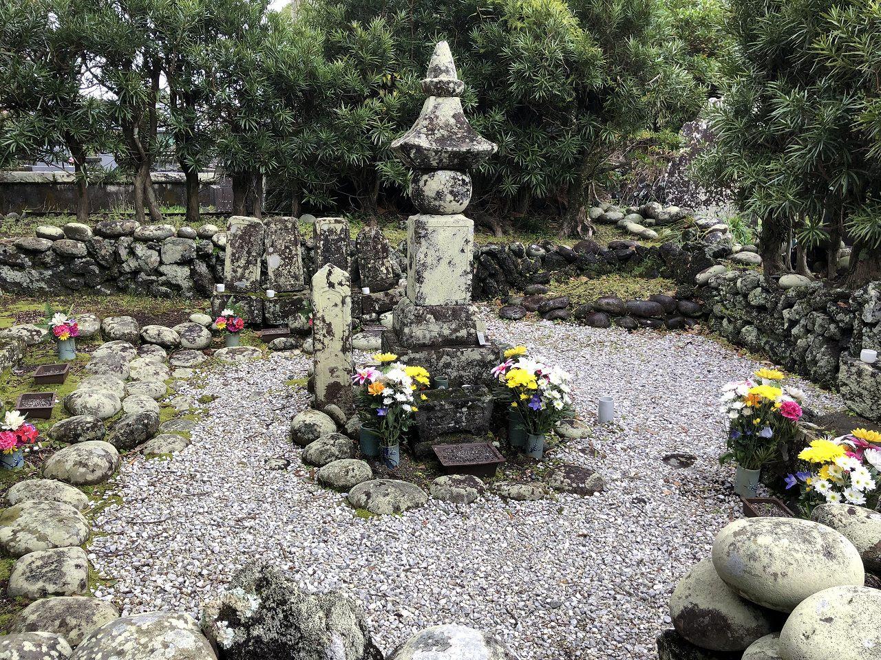 八丈島の宇喜多秀家のお墓