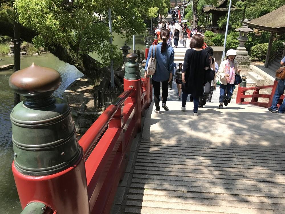 太宰府天満宮の朱色の橋
