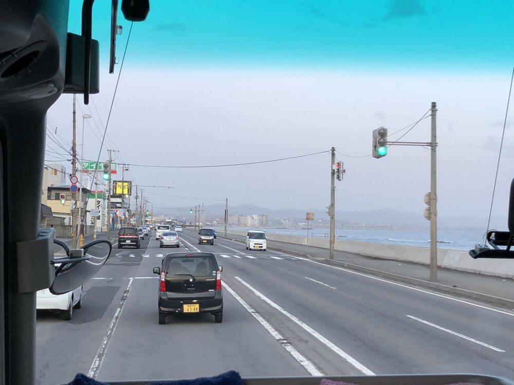 函館空港行きのシャトルバスからの眺め