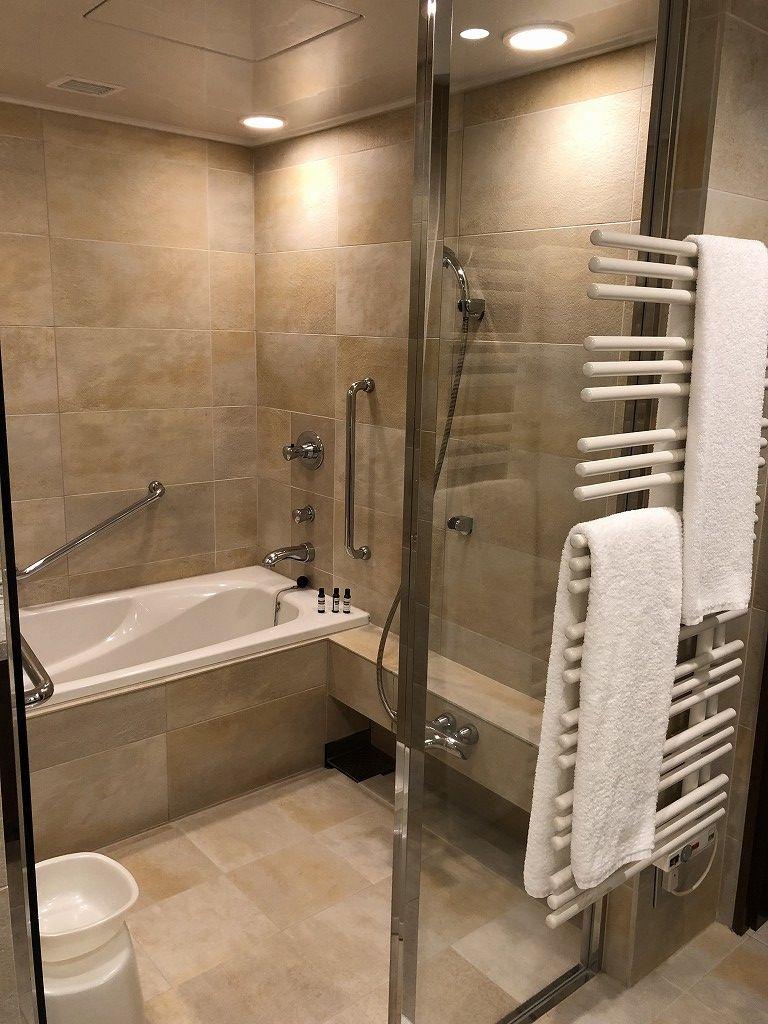 ハイアットリージェンシー箱根リゾート&スパのデラックスツインルームの浴室