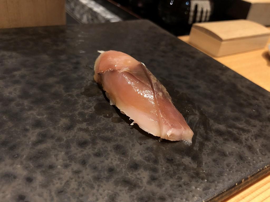 ハイアットリージェンシー箱根リゾート&スパのダイニングルーム鮨のしめ鯖