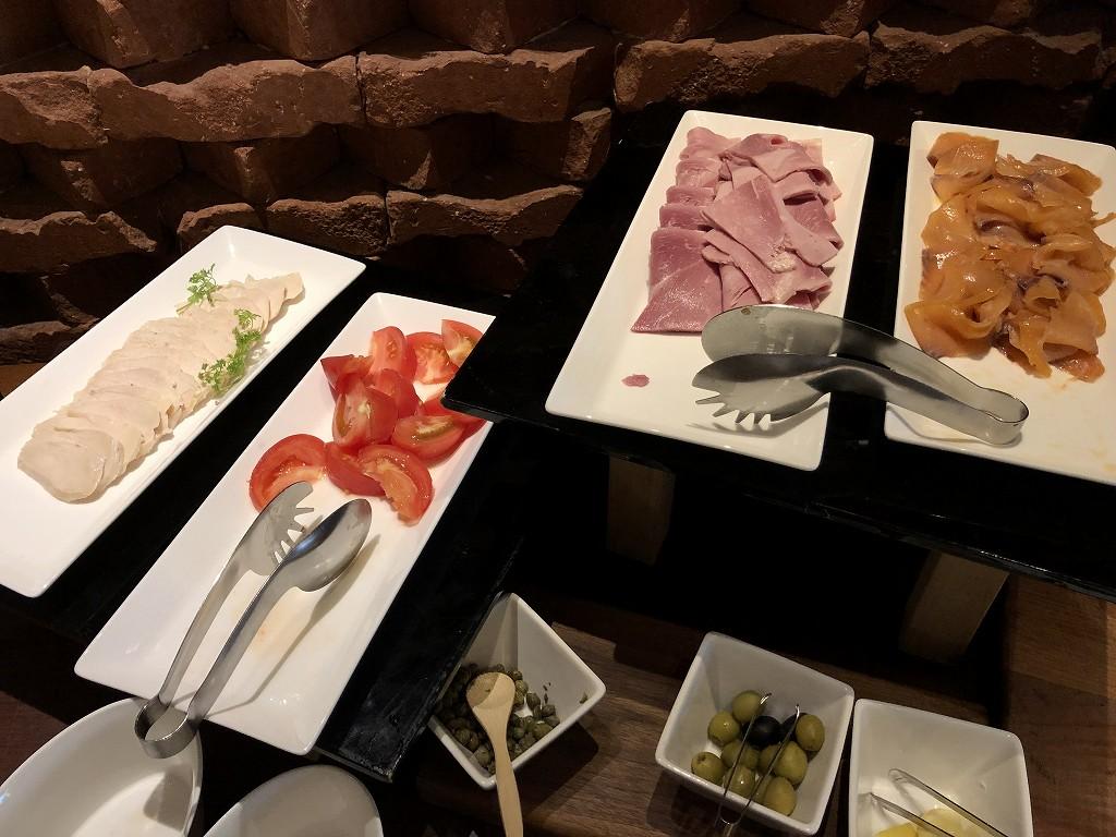 ハイアットリージェンシー箱根リゾート&スパのダイニングルームの朝食1