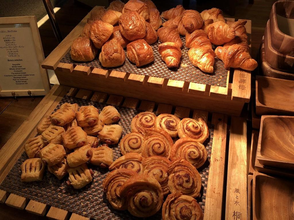 ハイアットリージェンシー箱根リゾート&スパのダイニングルームのパン