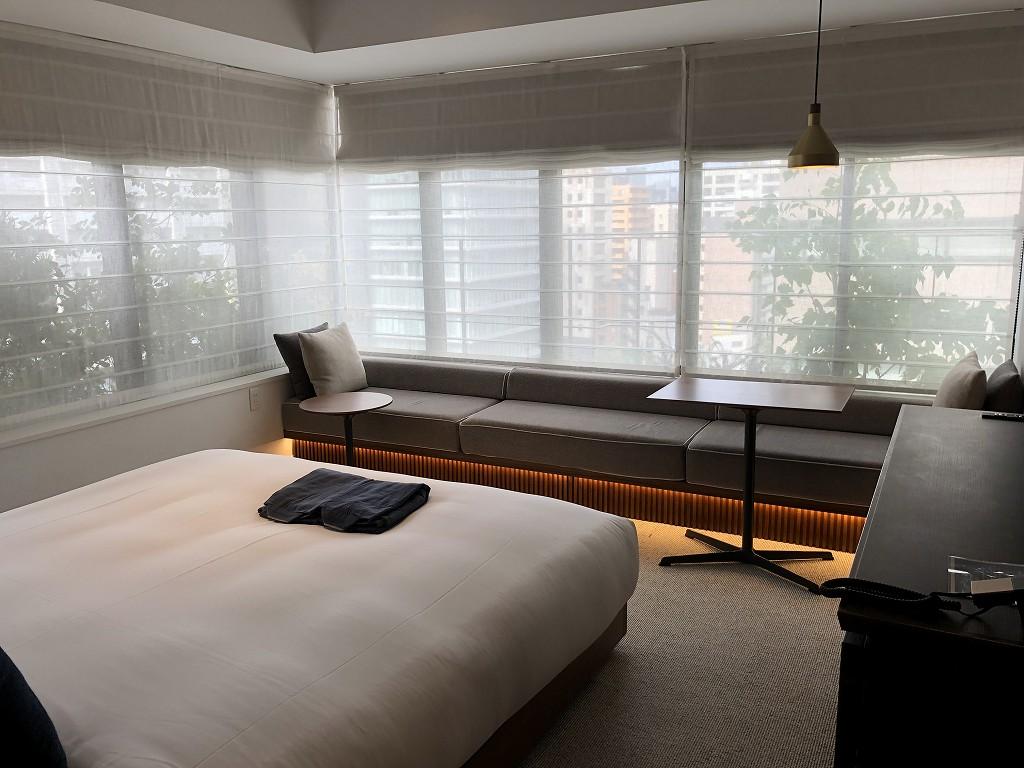 HAMACHO HOTEL TOKYOのコーナーダブルルームの内観1