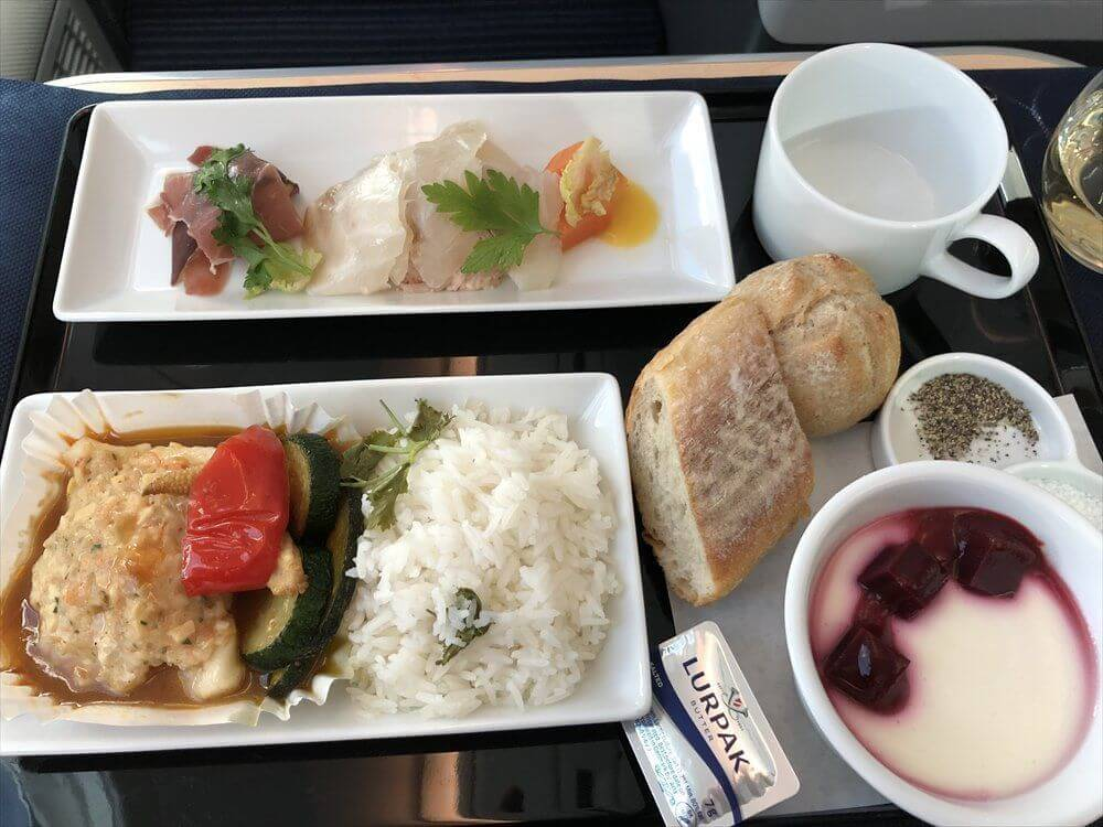 ANA857便(羽田-ハノイ)の機内食(全体)