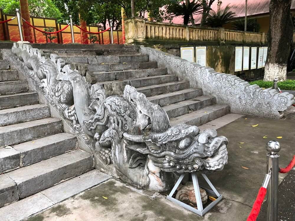 タンロン遺跡の昇龍階段2