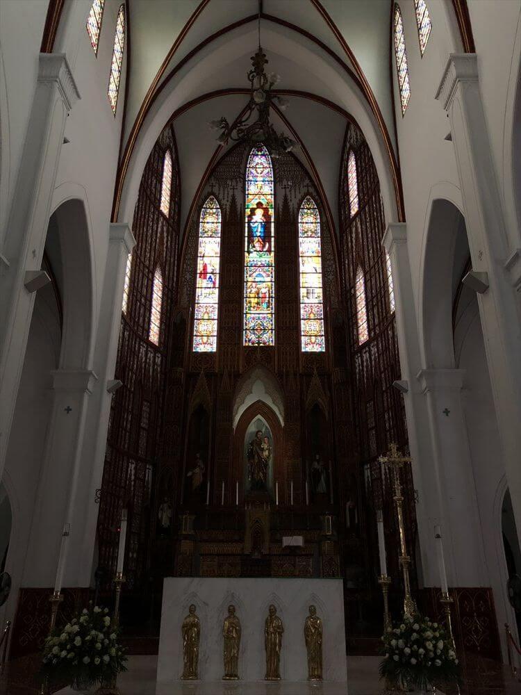 ハノイ大教会の内部2