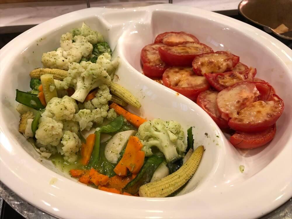 シェラトンハノイホテルのOven D'orの朝食の温野菜