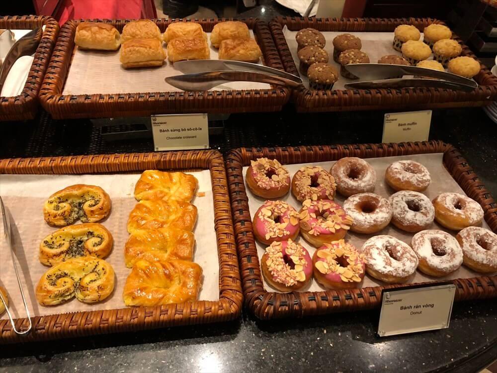 シェラトンハノイホテルのOven D'orの朝食のパン2
