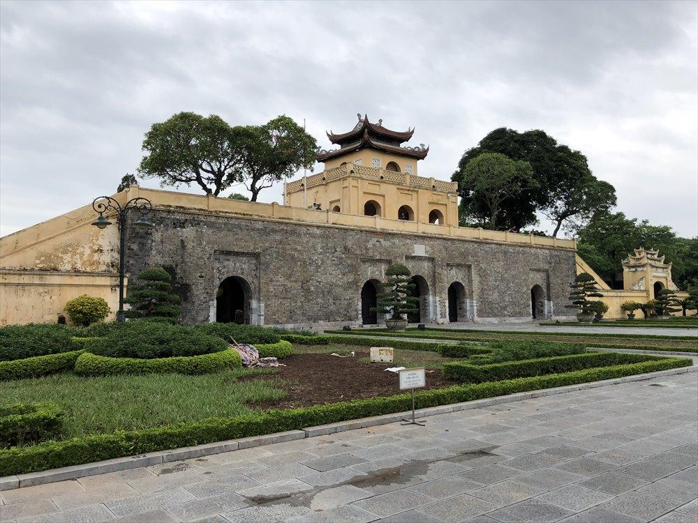 タンロン遺跡のドアン門(端門)1