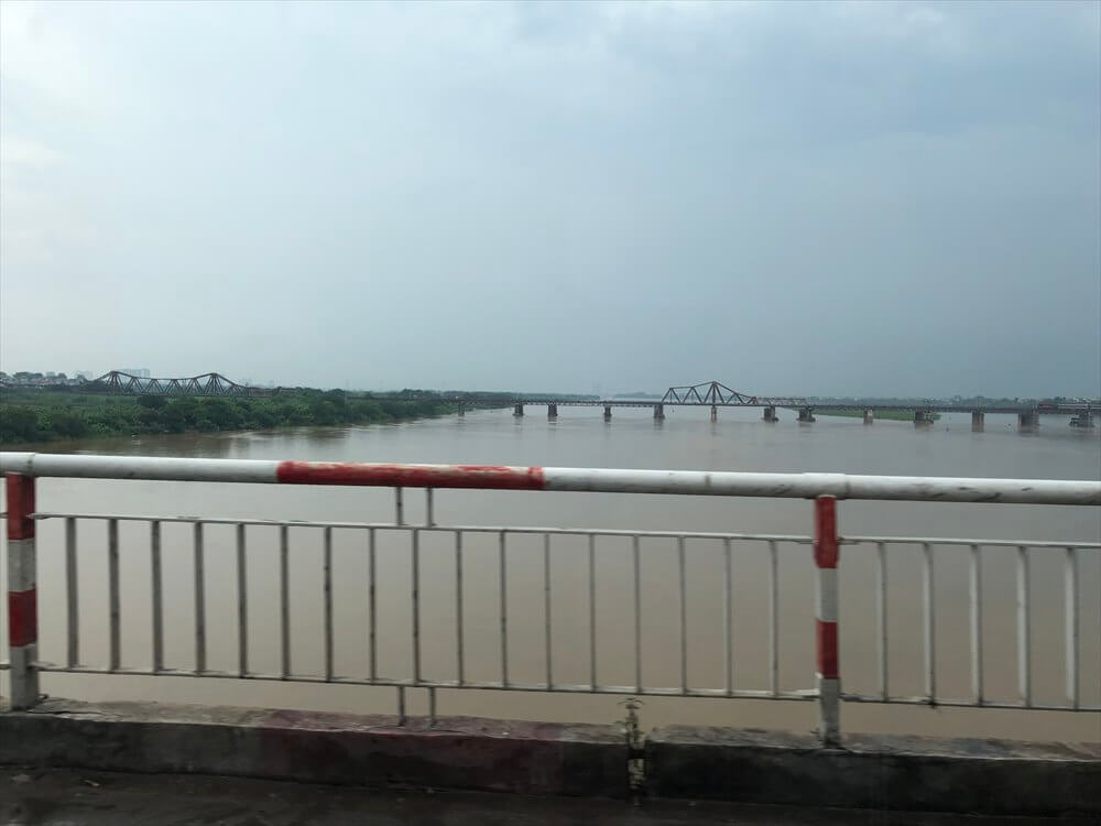 チュオンズオン橋からのロンビエン橋