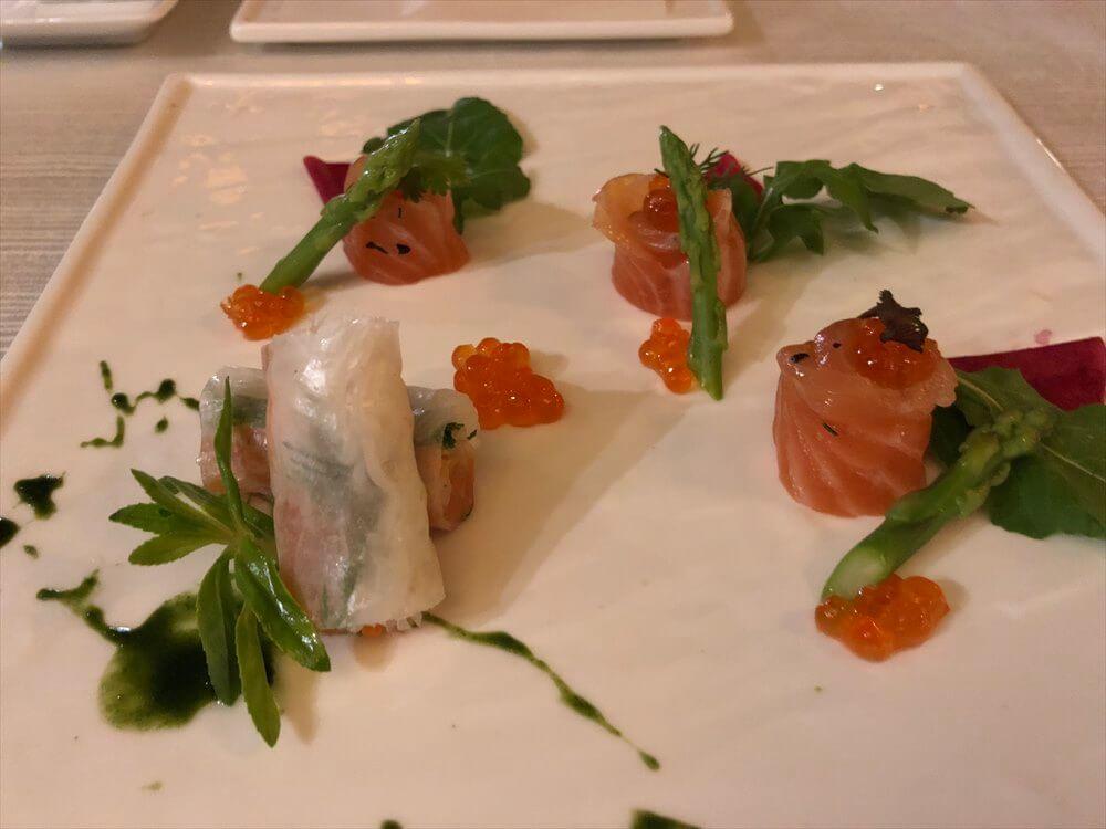 シェラトンハノイホテルの「Hemisphere」の料理1