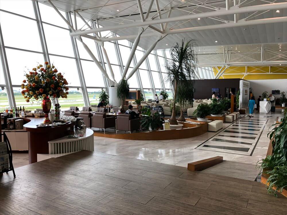ノイバイ国際空港のACVビジネスラウンジの内観3